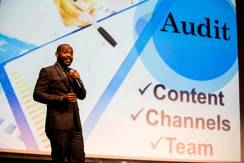 Social Media Keynote Speaker and Presenter